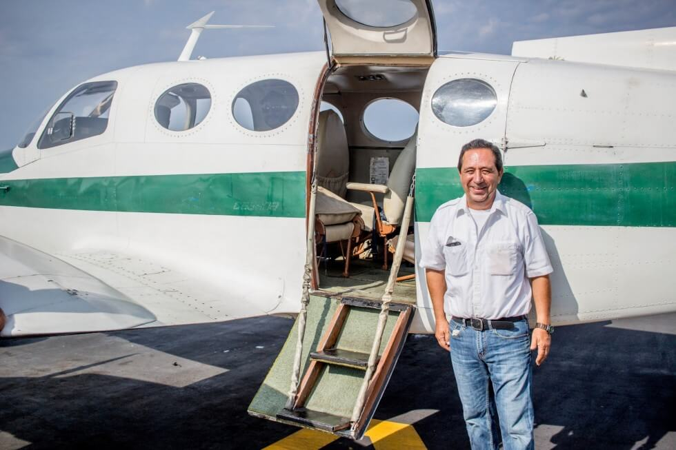 Don Vega the pilot from Puerto Escondido to Oaxaca